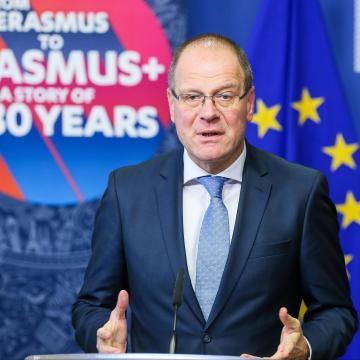 Nagyobb keretet biztosít az Erasmus+ program számára az EU