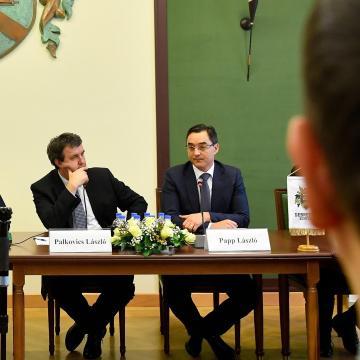 Debreceni polgármester: a város a térség fejlesztésének élére áll