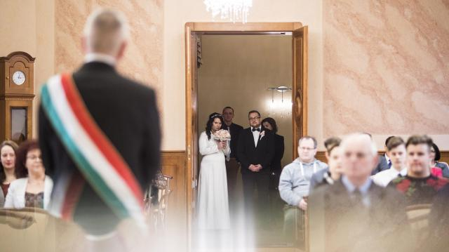 Nem ment ki divatból a házasság