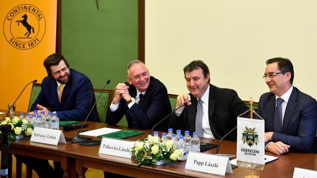 Palkovics: fejlesztjük a debreceni műszaki képzést