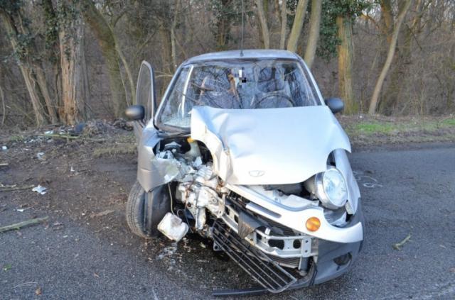 Fának csapódott egy autós Máriakálnoknál