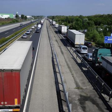 Kilencszáz jogsértést találtak a buszok és teherautók egyhetes ellenőrzésén