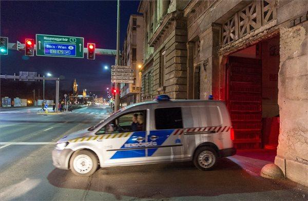 Korrupció miatt őrizetbe vettek több autópálya-rendőrt
