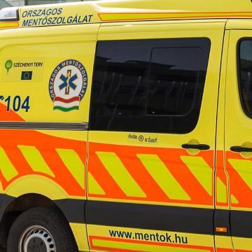 Szabálytalan autós miatt sérült megy egy biciklis nő