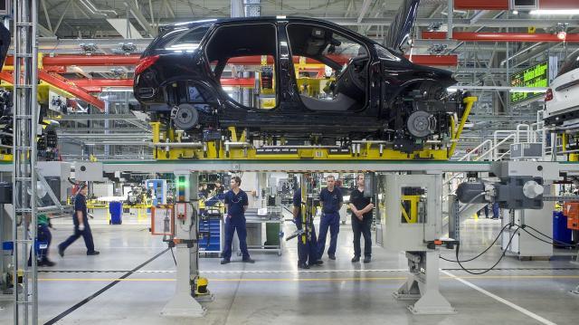 Több mint 190 ezer autó készült tavaly a Mercedes-gyárban