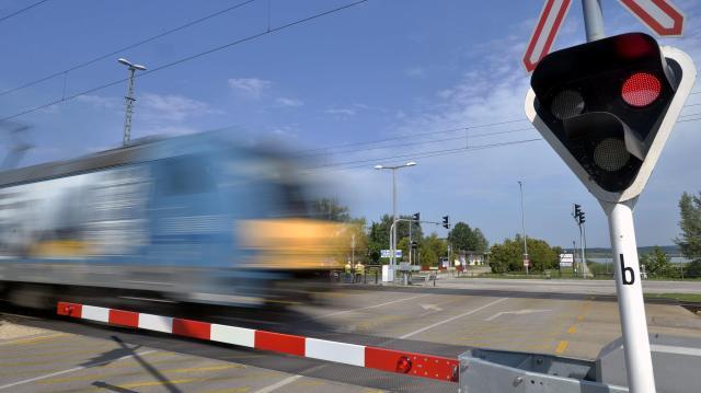 200 méterre állt meg egymással szemben két vonat Miskolcon