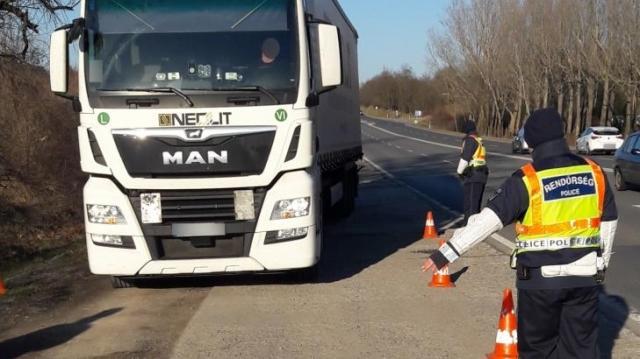 A baranyai kamionosok és buszosok egyötöde volt szabálytalan