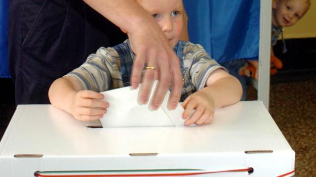 Áder János május 26-ára írta ki az Európai Parlament magyar választását
