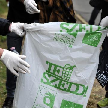 Az elmúlt évek legsikeresebb környezetvédelmi akciója lehet az idei TeSzedd!
