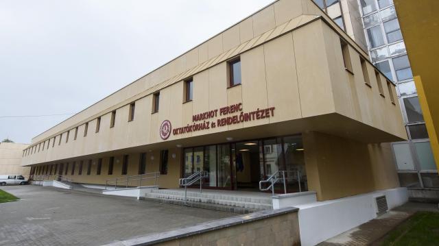 Feloldották a látogatási tilalmat az egri kórházban