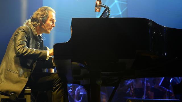 Megkezdődött a Zenevarázslat négykezes zongoraverseny Egerben