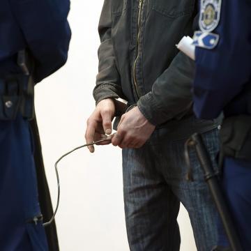 Vádat emeltek egy pécsi buszvezetőt súlyosan bántalmazó férfi ellen