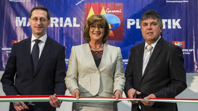 Felavatták a Material-Plastik második gyártócsarnokát Soltvadkerten