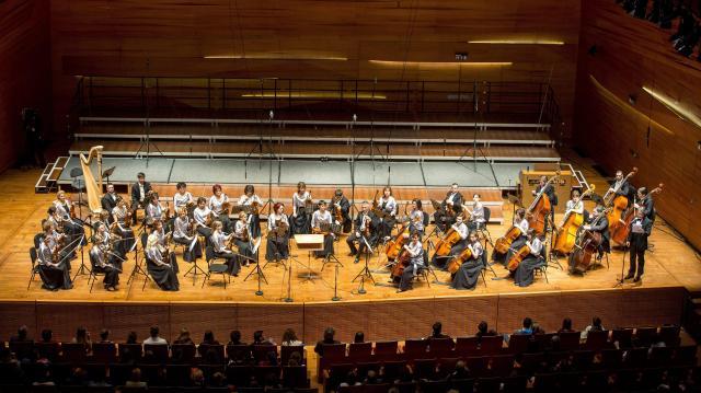 Ingyenes ünnepi koncertet ad a Pannon Filharmonikusok a Kodály Központban