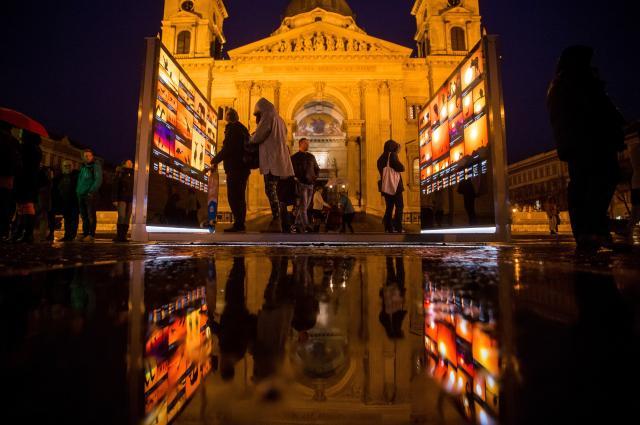 Megnyílt Máté Bence szabadtéri kiállítása – Hozzánk is érkezik
