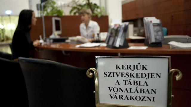 Mindegy banki ügyfélnek ismét azonosítani kell magát