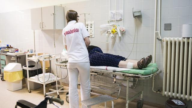 Nyolcmilliárd forintból ápolási eszközöket szerez be az ÁEEK