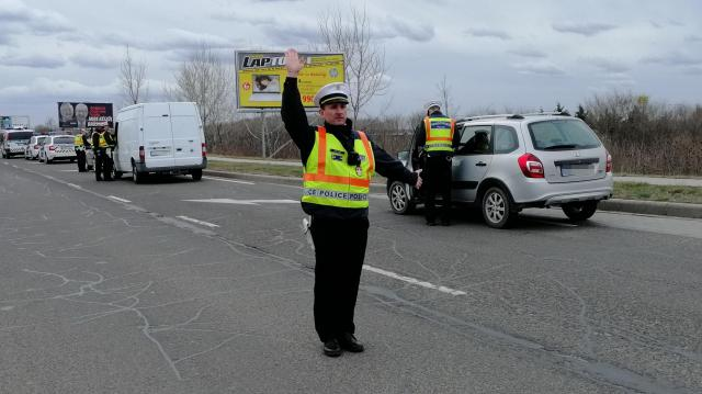 Több mint száz felelőtlen közlekedő
