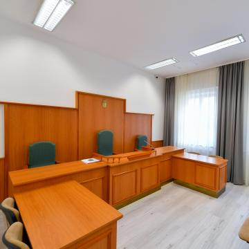 Átadták a munkaügyi bíróság felújított épületét