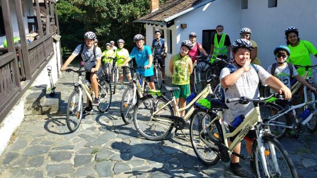 Biciklivel az ország rejtett kincsei körül