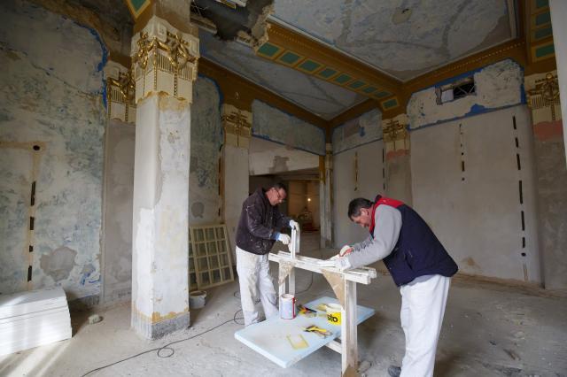 Megleshető ahogy épül a kaposvári színház