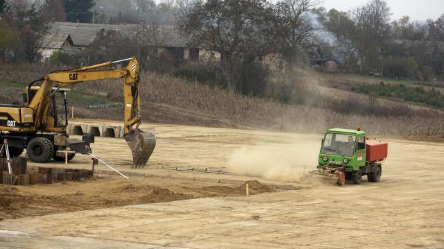 Nyolcszáz millió forintból fejlesztik a déli iparterületet Törökszentmiklóson