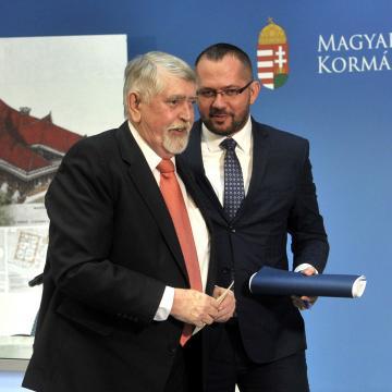 Egészségügy fejlesztésekkel folytatódik a Magyar falu program
