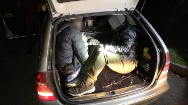 Embercsempészt és illegális migránsokat fogtak el Szigetváron