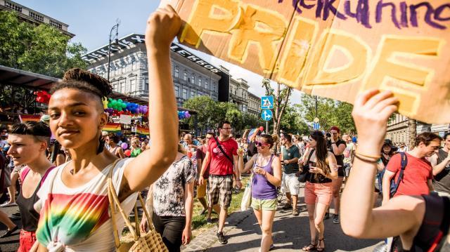 Feljelentést tesz egy szegedi LMBTQ-esemény megzavarása miatt a Párbeszéd