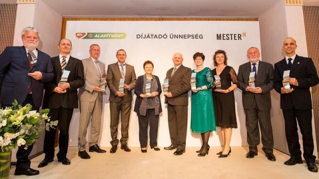 Idén is tíz kiváló tanár és edző kapta meg a MOL Mester-M Díjat