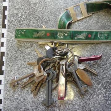 Kulcscsomóval megvágta a nyakát