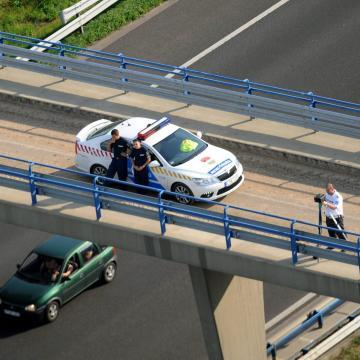 Szerdán egész napos sebességmérő akciót tart a rendőrség