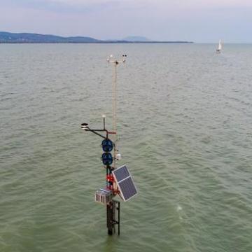 Új viharjelző állomást helyeztek el a Balatonban