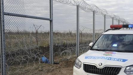 Újabb migránscsoportok próbálkoztak a határon
