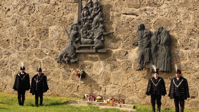 A Felvidékről kitelepítettekre emlékezik Komárom