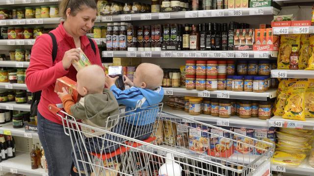 Az élelmiszerárak emelték márciusban az inflációt