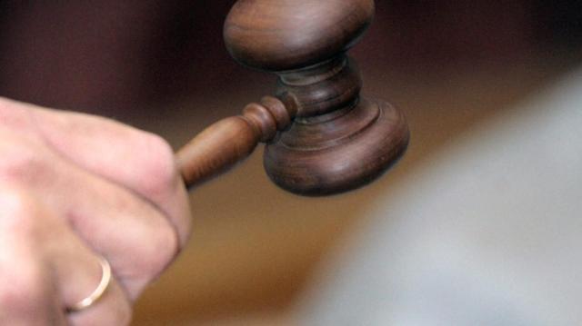 Egy amerikai producert megkárosító csalókat ítéltek el Szegeden