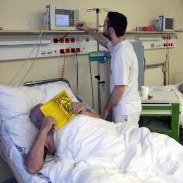 Esti tagozatos tanulóknak is meghirdetik az ápolói ösztöndíjat