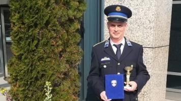 """""""Minden jót kívánunk minden hős rendőrnek"""" - Az év ügyeletese díj"""