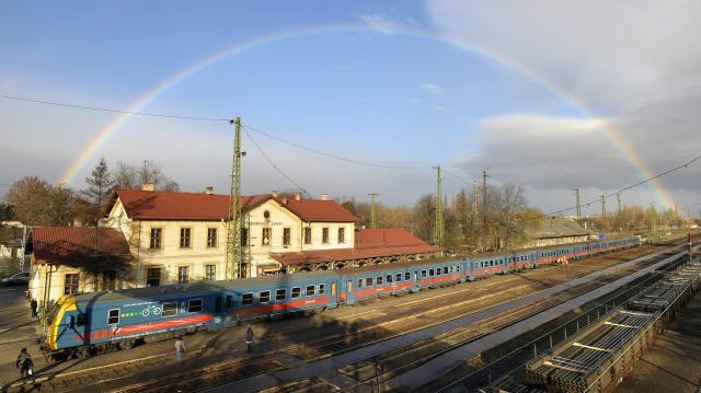 Szeptemberig lezárták az átmeneti parkolót Rákospalota-Újpest állomáson