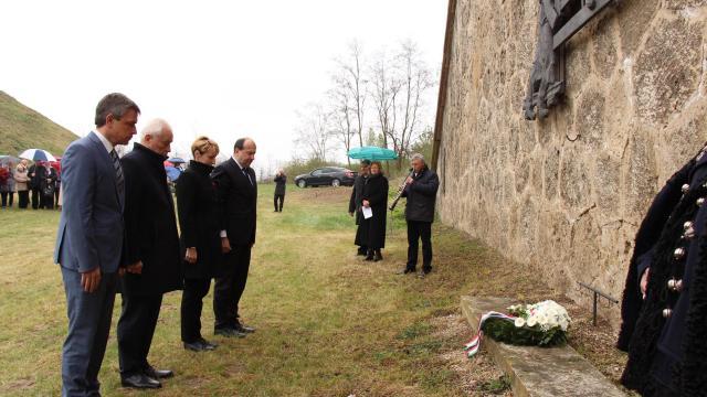 A Felvidékről kitelepítettekre emlékeztek Komáromban