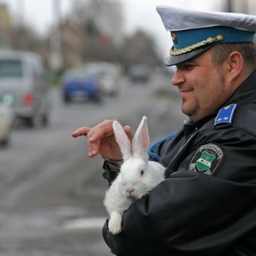 A rendőrség a forgalmat segíti húsvétkor