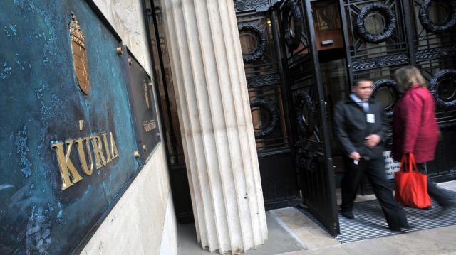 Árfolyamkockázat: nem az ügyfél pénztárcáját terheli az összes költség