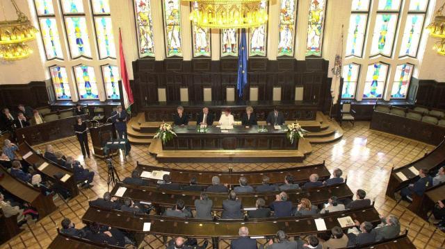 Döntött a debreceni közgyűlés a Notre Dame újjáépítésének támogatásáról