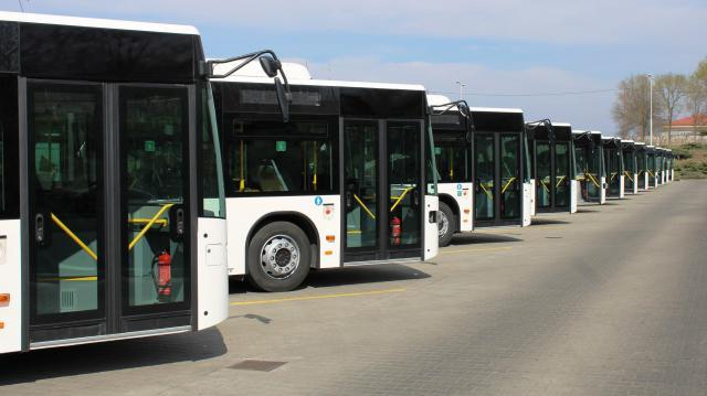 Forgalomba állnak az új Mercedes-Benz Conecto városi buszok