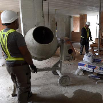 Magasabb fokozatba kapcsolt az építőipar