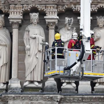 Notre-Dame - Szeged tízezer eurót ajánl föl az újjáépítésre