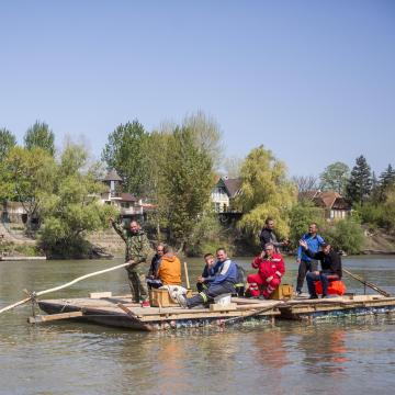 Pillepalacktutajjal érkeztek a Maroson Szegedre a gyergyói tűzoltók
