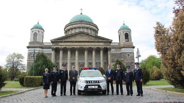 Új Suzukit kaptak az esztergomi rendőrök
