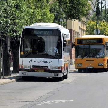 Változik a buszok menetrendje húsvétkor és a tavaszi szünet ideje alatt